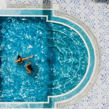 The pool of Hotel Zelis