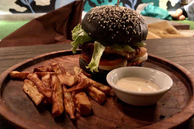 burger loka lombok whynotabroad
